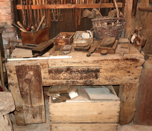 Wooden workbench for carpenter, used in shipyards.