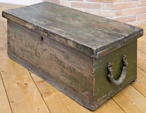 Sailor's trunk