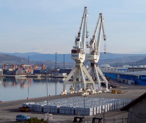 """Port """"Metalna Maribor"""" grab crane"""