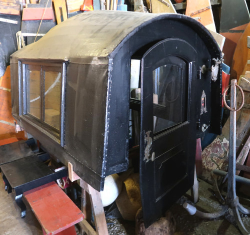 Removable cabin of the work gondolas, called